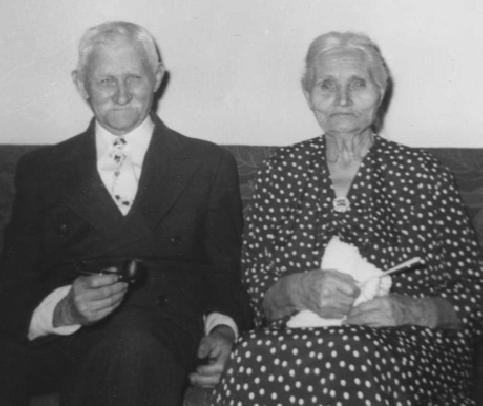 Ellen's parents, Thomas and Emma Thompson